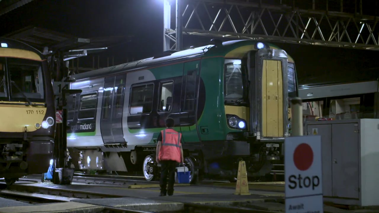 London Midland Firstline Workers streamline operations and stay connected with Office 365